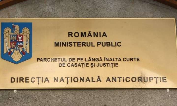 CCR a stabilit ca exista un conflict intre Ministerul Public si DNA privind OUG 13