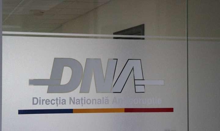 În 9 iulie, preşedintele Klaus Iohannis a semnat decretul de revocare a Laurei Codruţa Kovesi