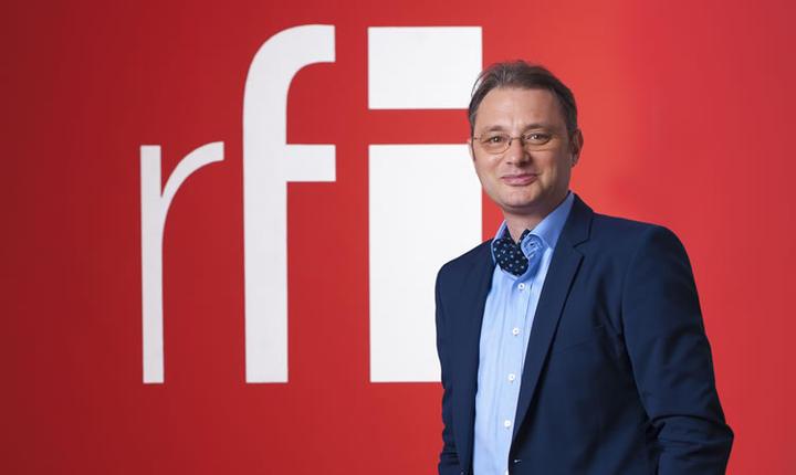 Luca Niculescu este redactor-şef al RFI România din anul 2000