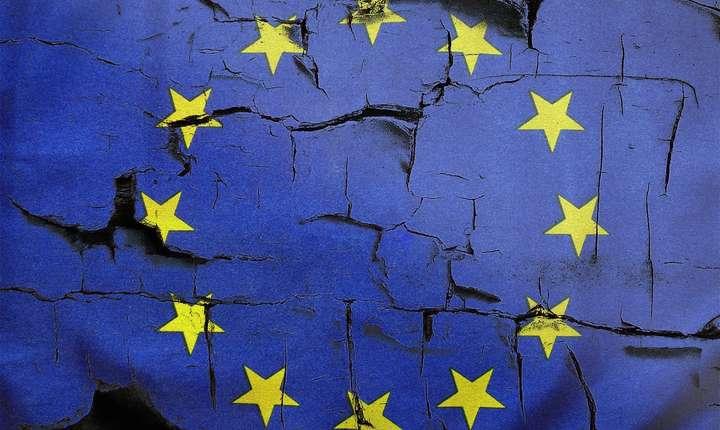 În România, 21% dintre cetățeni cred că apartenența la UE este un lucru negativ