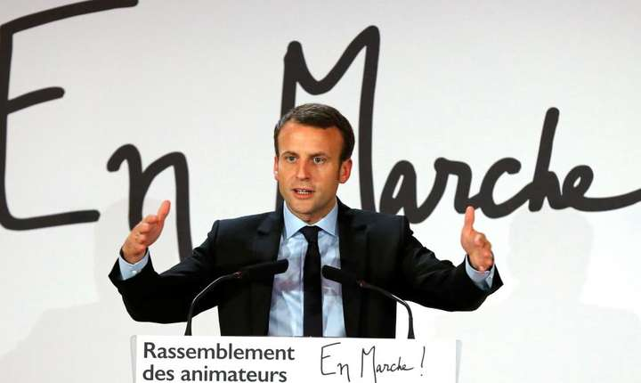 Emmanuel Macron la un miting în noiembrie 2016