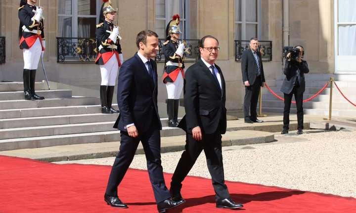 Emmanuel Macron si François Hollande la Palatul Elysée, Paris, 14 mai 2017
