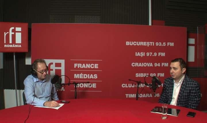 Constantin Rudniţchi și Florian Marin in studioul de înregistrări RFI Romania