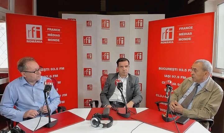 Constantin Rudniţchi, Nicolae Oaca și Valentin Mircea in studioul RFI Romania