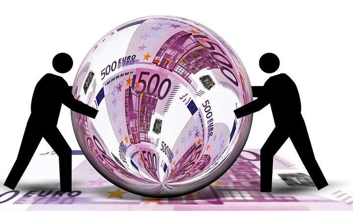 Ministrul muncii a anunțat recent că se pregătește lansarea unui program care să ofere 500 euro pentru angajarea de șomeri. Oamenii de afaceri susțin că astfel de programe sunt în derulare.