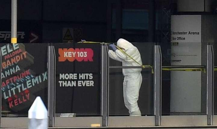 Poliţist criminalist, la locul atentatului terorist din Manchester (Sursa foto: AFP/Paul Ellis)