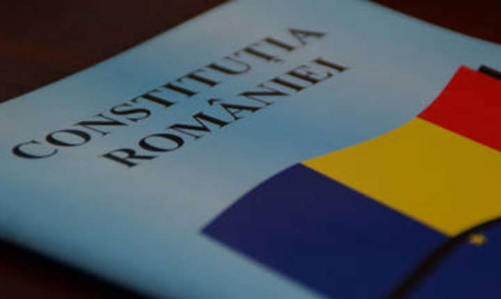 Deputatii au adoptat initiativa cetateneasca de redefinire a familiei in Constitutie