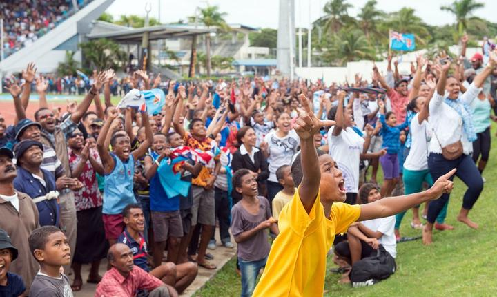 Spectatorii pe stadionul național din Suva