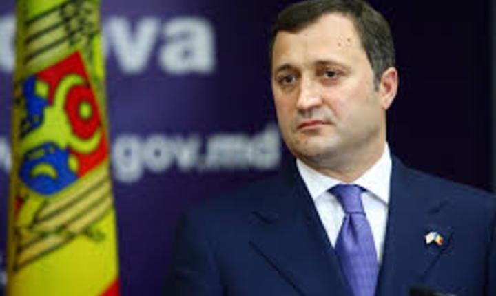 Fostul premier moldovean, Vlad Filat, a fost retinut de procurorii anticoruptie pentru 72 de ore