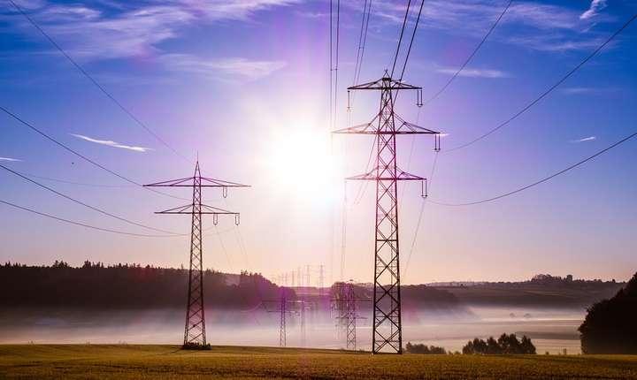 Autorităţile vor să afle de ce s-a scumpit energia electrică în ultima perioadă (Sursa foto: pixabay.com)