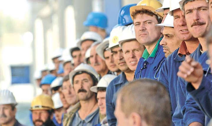Decalajul dintre cererea de forţă de muncă specializată şi ofertă se va accentua