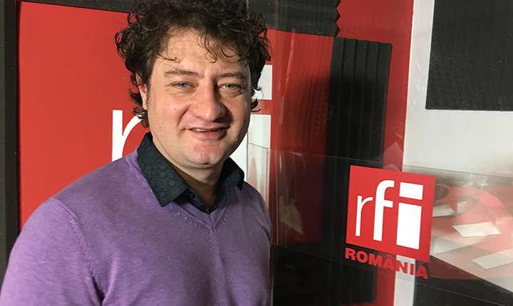 Cătălin Constantin in studioul de inregistrari RFI Romania