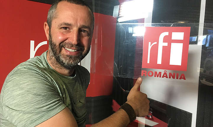 Costin Miu in studioul de inregistrari RFI Romania