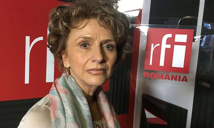 Lavinia Bârlogeanu in studioul RFI Romania