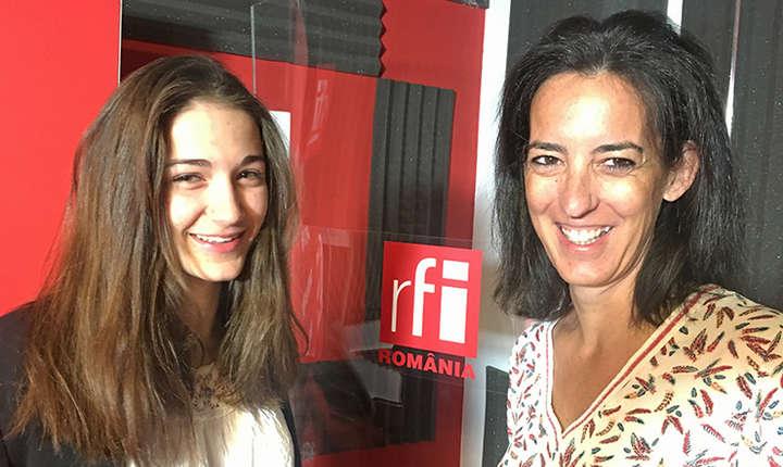 Sybille Thiollier și Cléophée Fusier in studioul de inregistrari RFI Romania