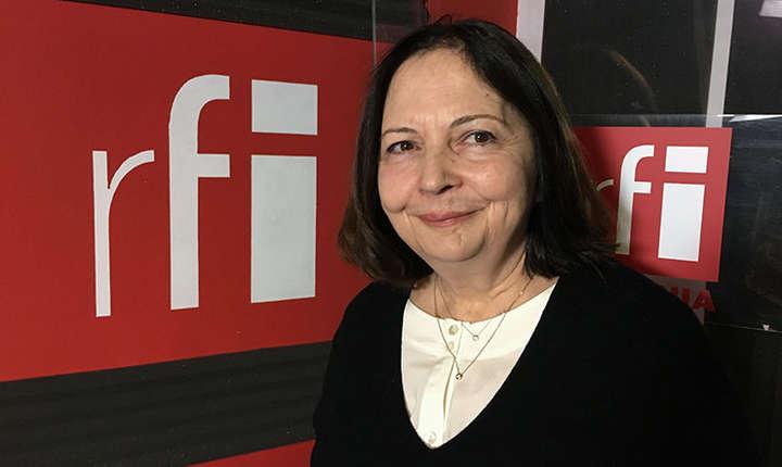 Veronica Șandor in studioul radio RFI Romania