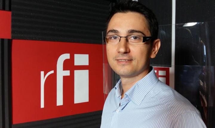 Antonio Momoc la radio