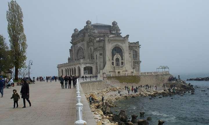 Cazinoul din Constanţa, ajuns o ruină (Foto: RFI/Cosmin Ruscior)