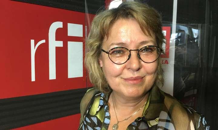 Iolanda Stăniloiu in studioul de inregistrari RFI Romania