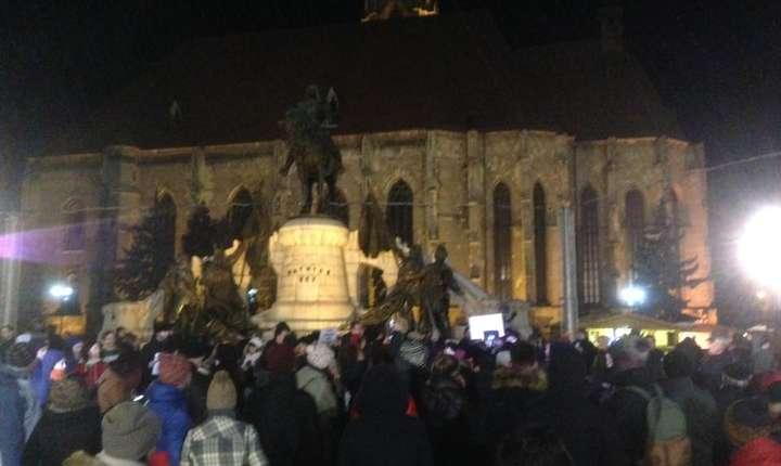 Două sute de clujeni au protestat în stradă împotriva legii grațierii