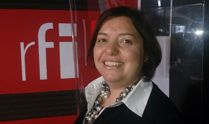 Raluca Mohanu in studioul RFI Romania