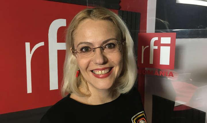 Raluca Moianu in studioul de inregistrari RFI Romania