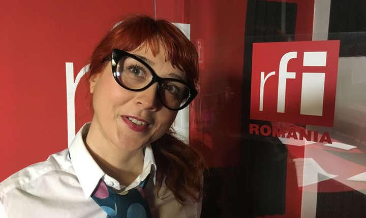 Silvia Dogaru in studioul de inregistrari RFI Romania