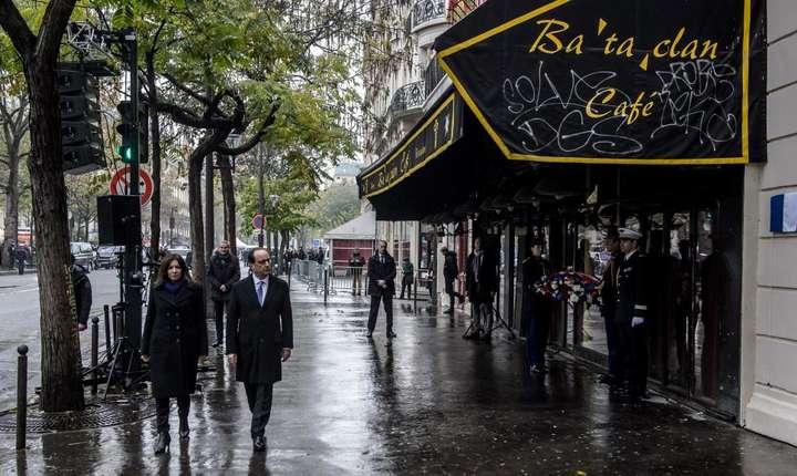 François Hollande si Anne Hidalgo ajung la Bataclan, un an dupa atentatul din 13 noiembrie 2015