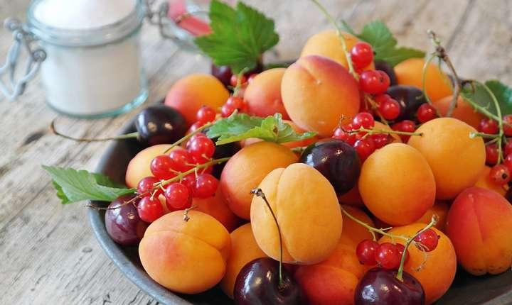 Fructele şi legumele s-ar putea scumpi, din cauza temperaturilor scăzute din aceste zile (Sursa foto: www.pixabay.com)