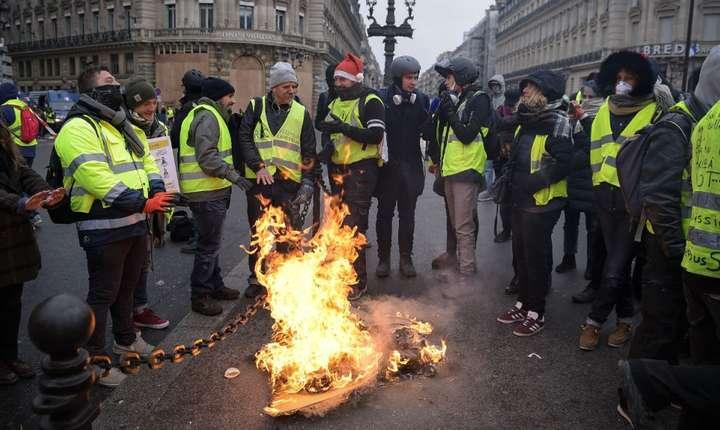 """""""Veste galbene"""" la Paris, sîmbătă 15 decembrie 2018"""