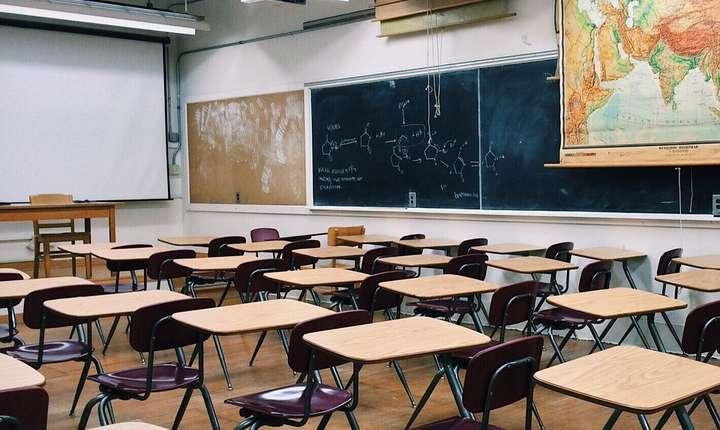 Profesorii din Sectorul 6, afiliaţi la FSLI au intrat luni în grevă (Sursa foto: pixabay.com)