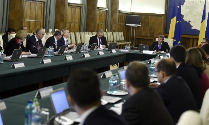 Şedinţă a Guvernului Cioloş (Foto: www.gov.ro)