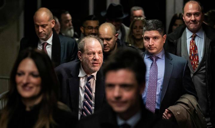 Harvey Weinstein este urmarit penal pentru agresiuni sexuale, New York.