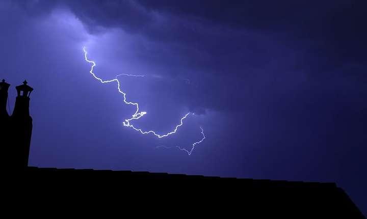 """Un """"Heat Burst"""" are loc de obicei noaptea si provoaca o crestere bruscà a temperaturilor"""