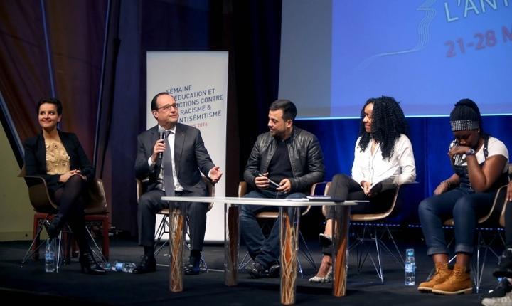 François Hollande, presedintele Frantei, pe 21 martie la o dezbatere cu tineri despre combaterea rasismului si antisemitismului