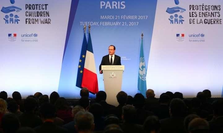 Cu ocazia conferintei consacrate protectiei copiilor în zonele de ràzboi, François Hollande, presedintele Frantei, a criticat atitudinea lui Donald Trump fatà de organizatiile internationale