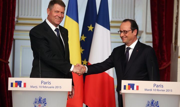 Klaus Iohannis, presedintele României, la palatul Elysée la invitatia omologului sàu francez François Hollande în februarie 2015