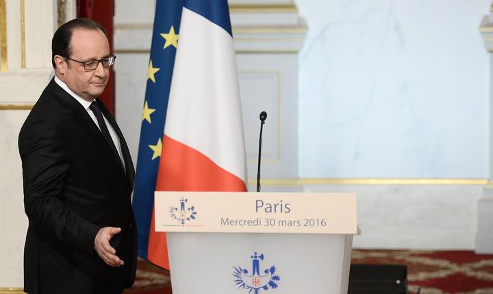 Hollande a anunţat că vrea să modifice Constituţia imediat după atacurile de la 13 noiembrie 2015