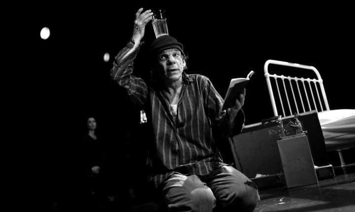 Actorul Denis Lavant în spectacolul propus de pianista Mara Dobrescu la Théâtre du Ranelagh