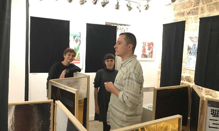 Ioana Violet, Smaranda Isar şi Victor Costache în galeria Laboratoire d'Exposition