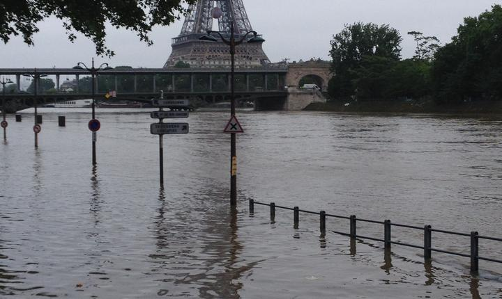 Creste nivelul Senei tot mai mult la Paris