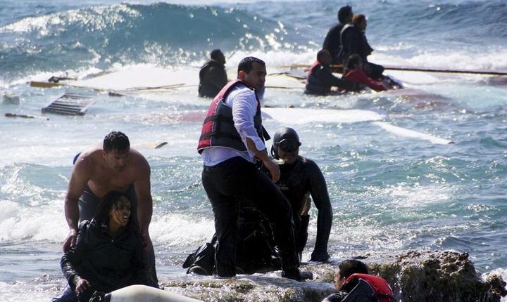 Garda de coasta italiana continua cautarea cadavrelor dupa tragedia din M. Mediterana (REUTERS/Argiris Mantikos/Eurokinissi TPX)