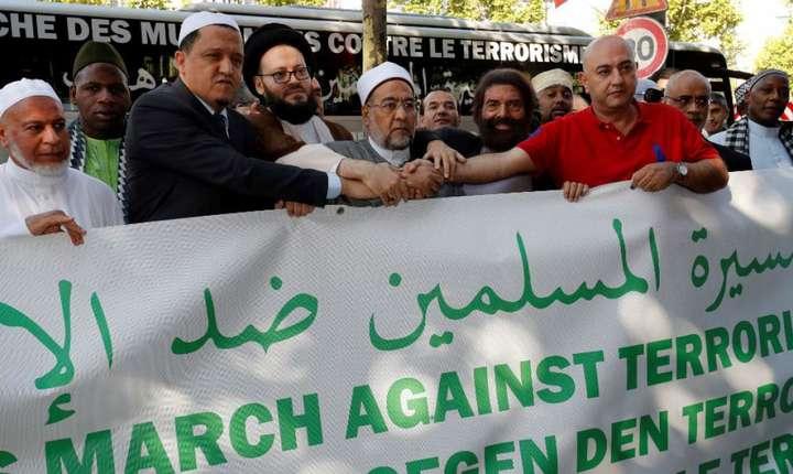 """Imami care participà în iulie 2017 la un """"mars contra terorismului"""" prin mai multe tàri europene"""