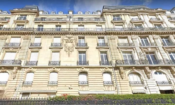 Imobilul situat la nr 42, Avenue Foch Paris, una dintre cele mai scumpe strazi din capitala pariziana a fost achizitionat de vice-presedintele Guineei Ecuatoriale, care este de fapt fiul presedintelui acestui stat african.