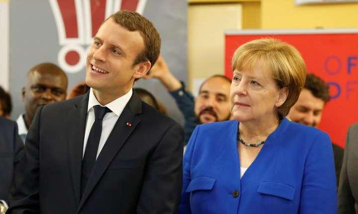 Inaintea Consiliului Franco-German, Angela Merkel si Emmanuel Macron au fost primiti la Oficiul Franco-German pentru Tineret, 13 iulie 2017