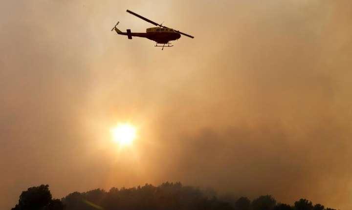 Incendiul înregistrat la Carros - în apropiere de Nisa, sudul Frantei - a distrus 90 de hectare de vegetatie, 24 iulie 2017