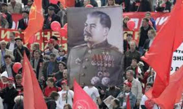 Stalin celebrat în continuare în Rusia.