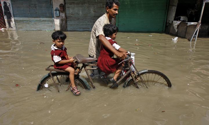 Peste 4 milioane de indieni au fost afectaţi de inundaţii