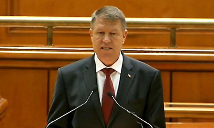 Klaus Iohannis se adreseaza Parlamentului, la un an de mandat