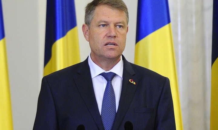 Presedintele Klaus Iohannis amana referendumul pe justitie